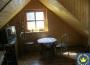 Interiér čiastočne zrekonštruovanej chalupy pri Novej Bani